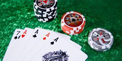Poker vs Texas Hold'Em